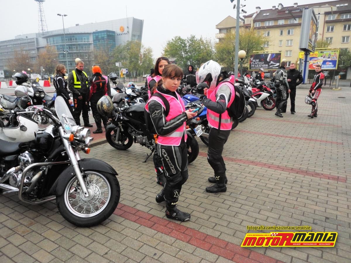 Ada motocyklistki rozowo