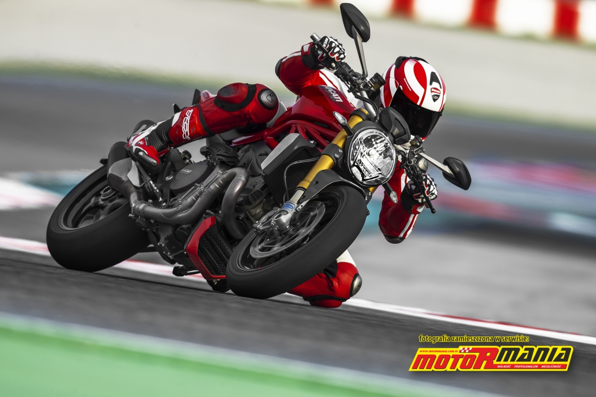 2014 Ducati Monster 1200 S (30)