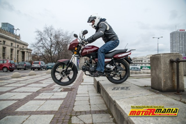 Junak 901 test MotoRmania (15)