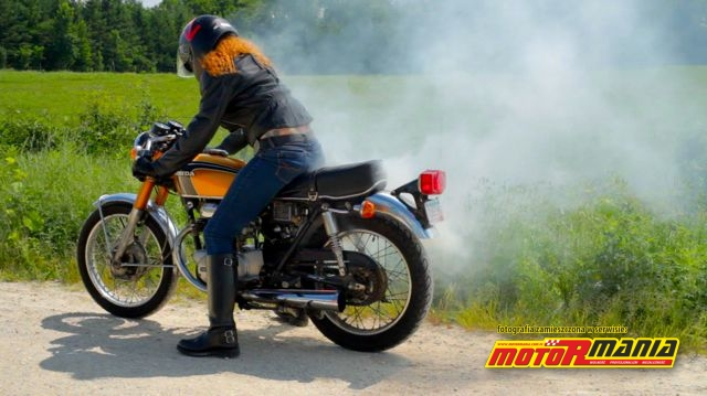 Recenzja filmu Girl Meets Bike: motocykle oraz upadek i powstanie kobiety