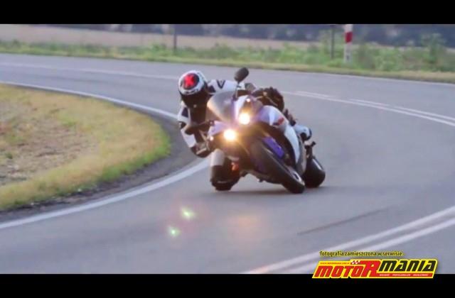 Running man: Yamaha R1, świetne ujęcia i szybka jazda!