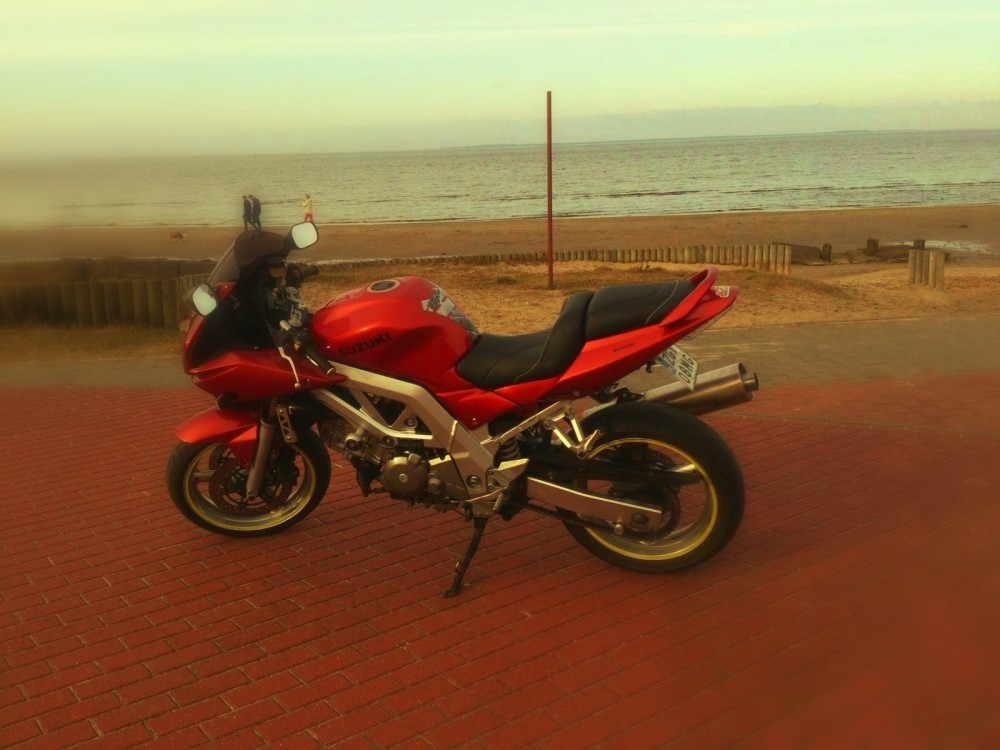 SV650S Suzuki motocykl cud _SOS_ (6)