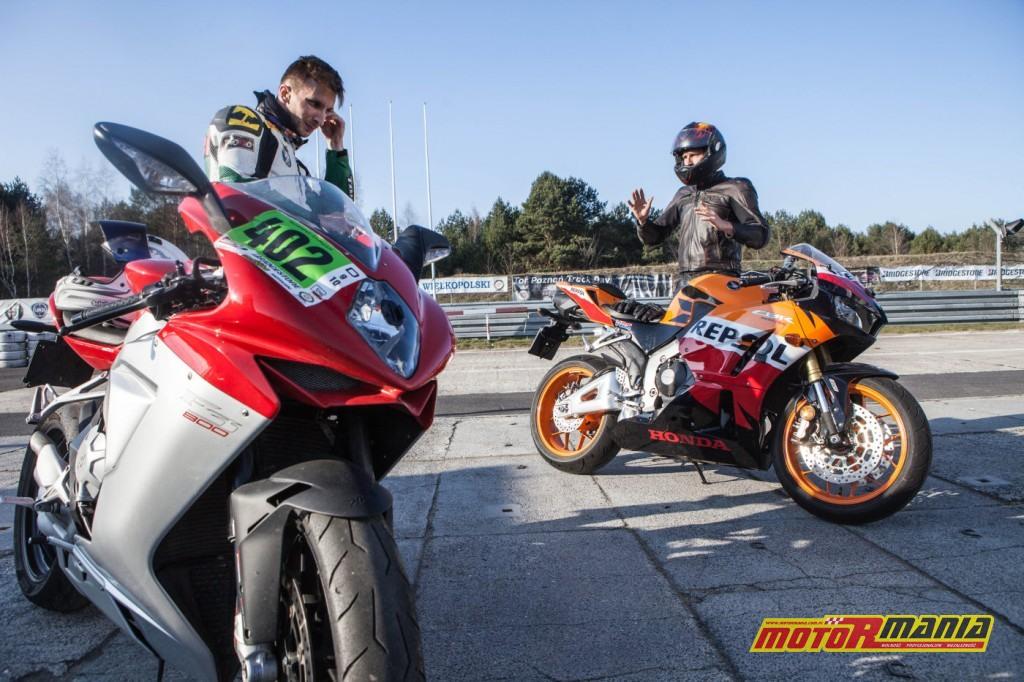 Michał i Pasio na motocyklach (5)
