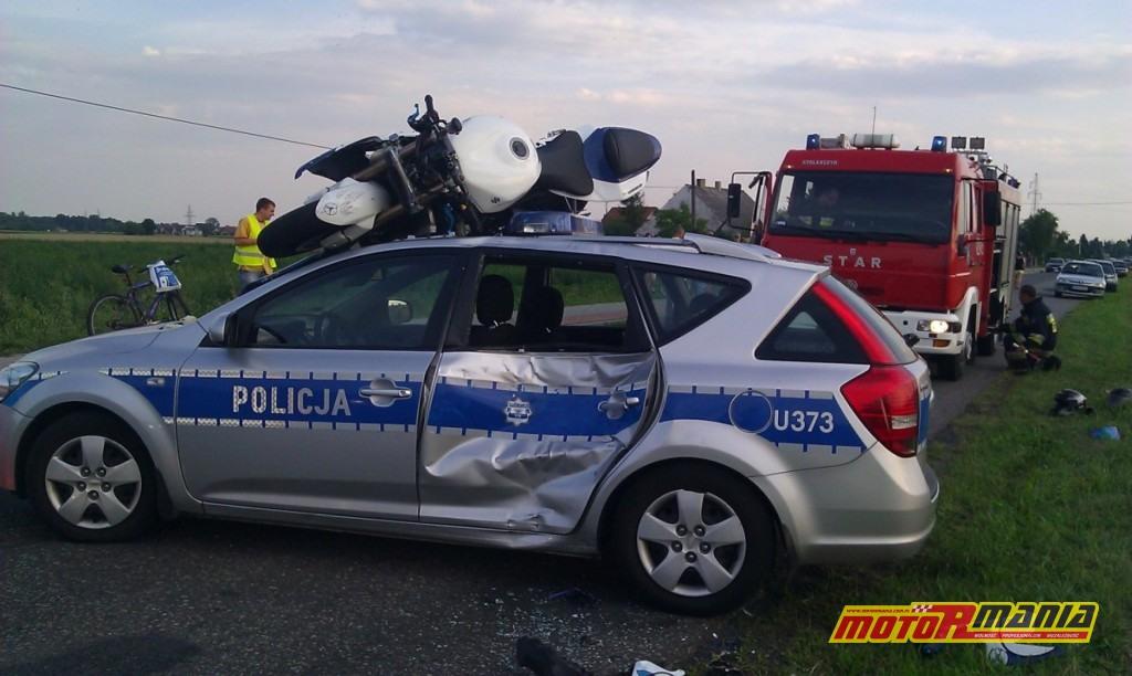 GSXR na dachu radiowozu poscig blokada (2) - fot kontakt24_tvn24_pl