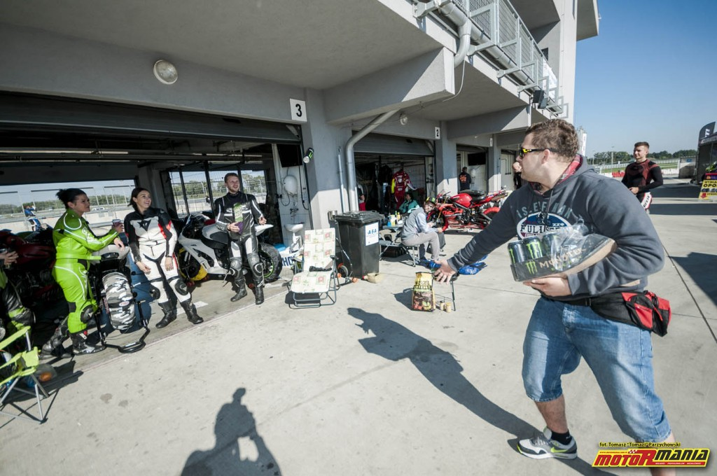 Wrzesien 2015 - track day z motormania na slovakiaring (19)