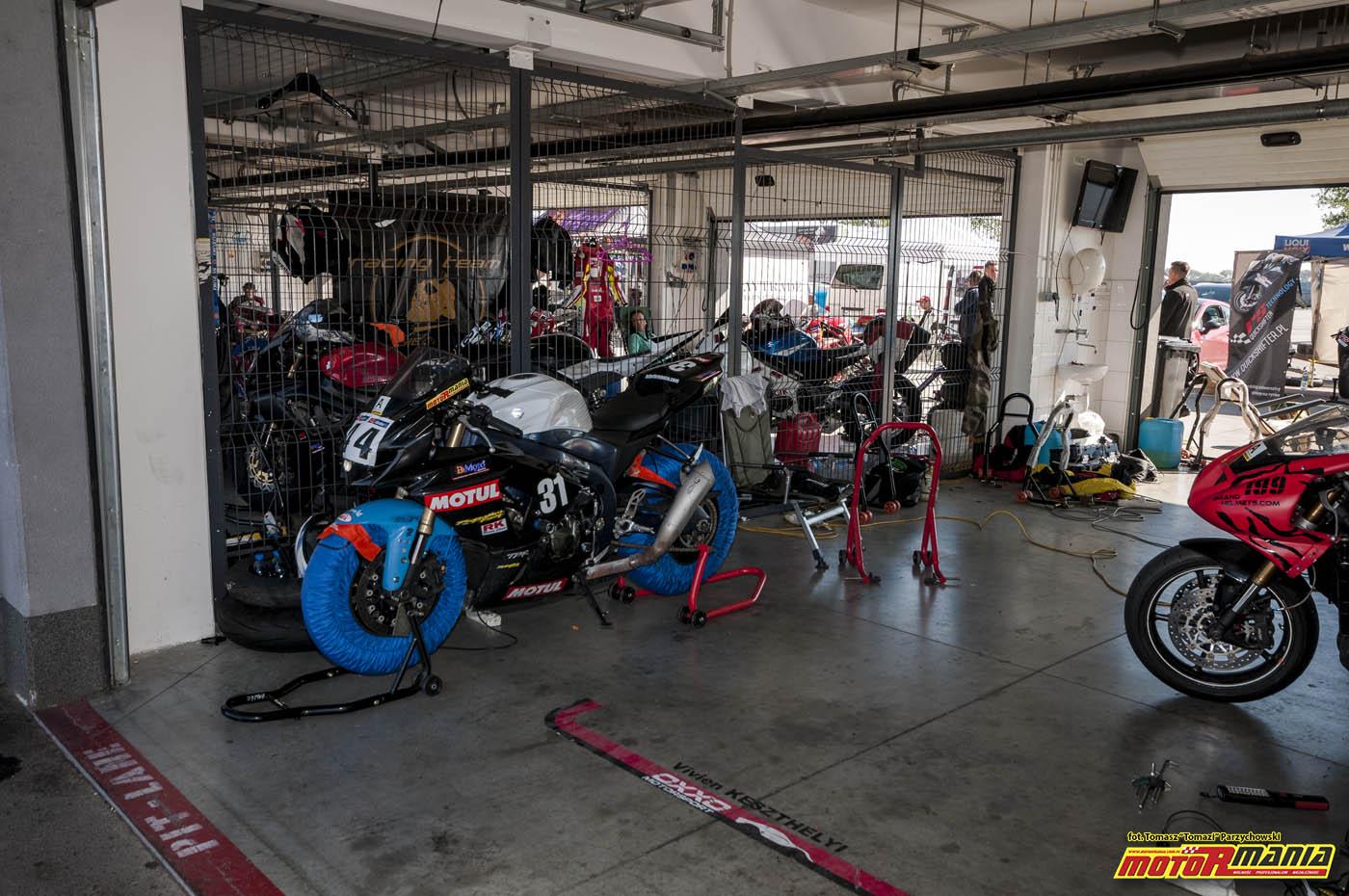 Wrzesien 2015 - track day z motormania na slovakiaring (21)