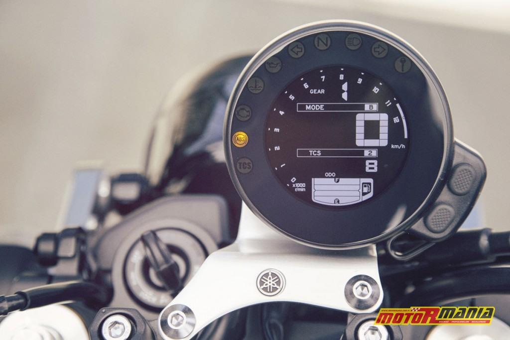Yamaha XSR900 2016 - faster sons z RSD (16)