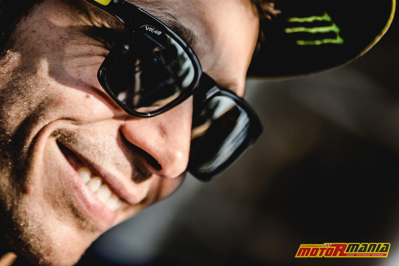 Rossi PS4 i Carmelo Ezpeleta (17)