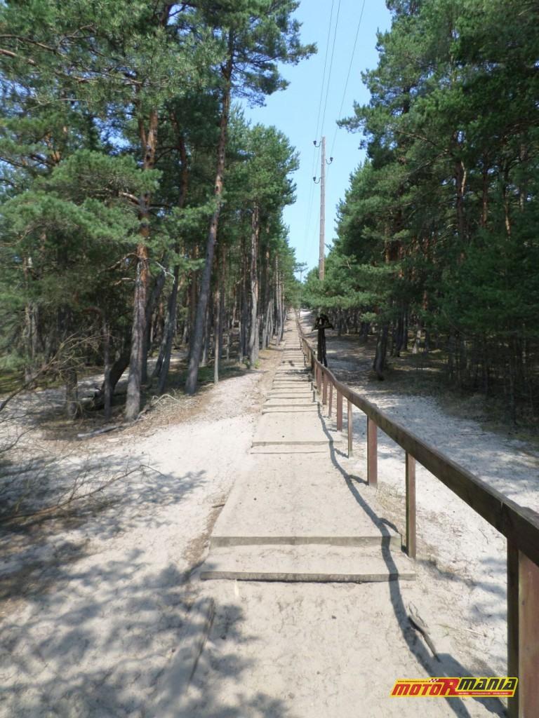Czołpino – ścieżka do latarni...