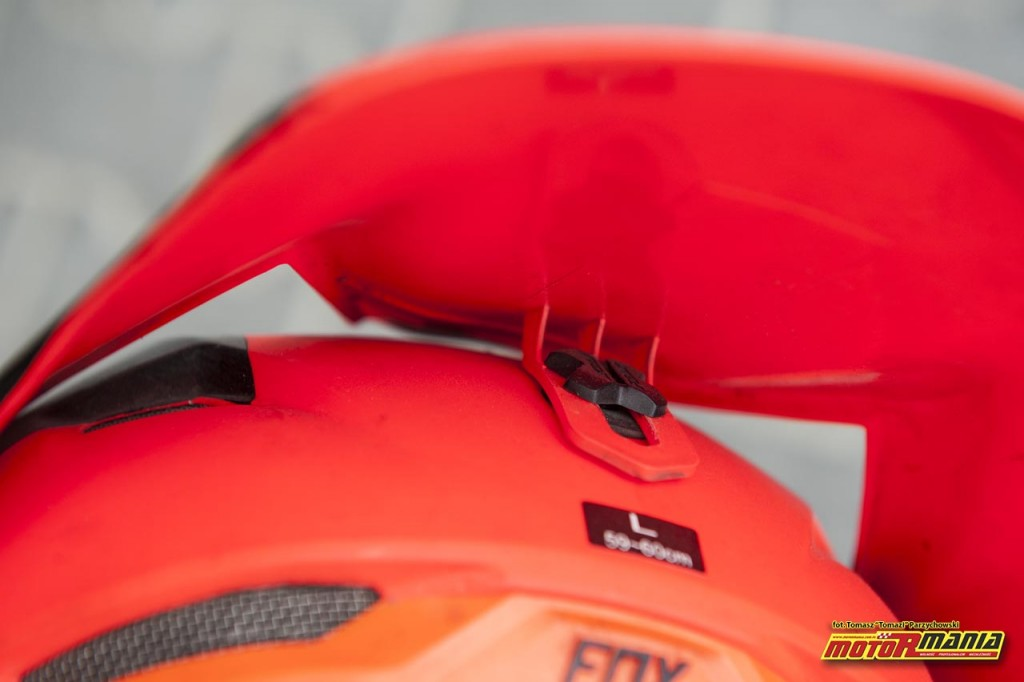 Fox V3 kask test motormania (3) - fot Tomazi_pl