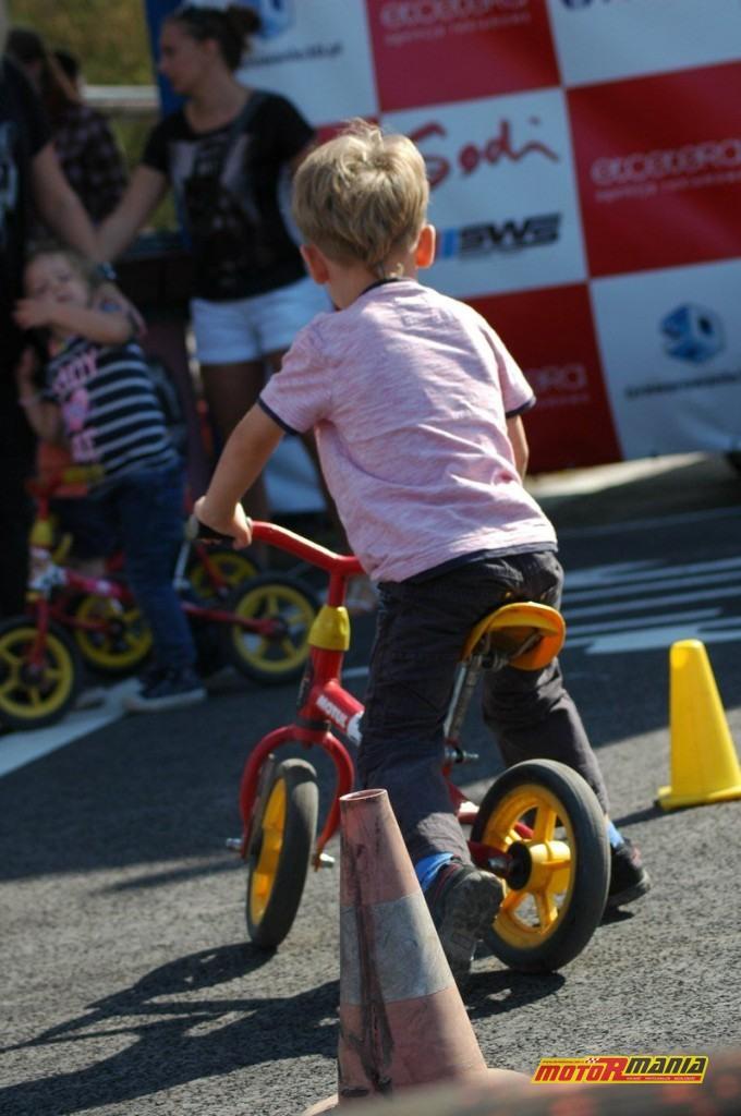 037-Motocyklisci-dla-dzieci-fot-Pacyfka