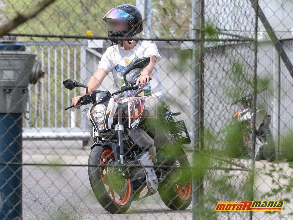 Elektryczny KTM Duke (3)