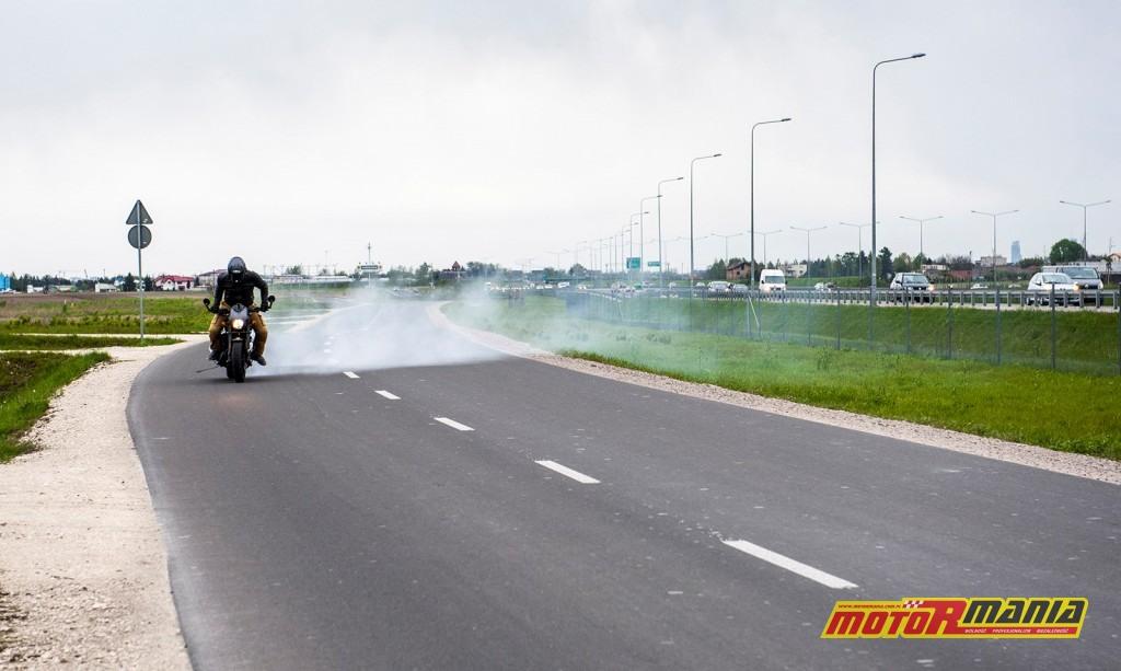 Harley Davidson Street Rod - palenie gumy motormania fot Tomazi_pl