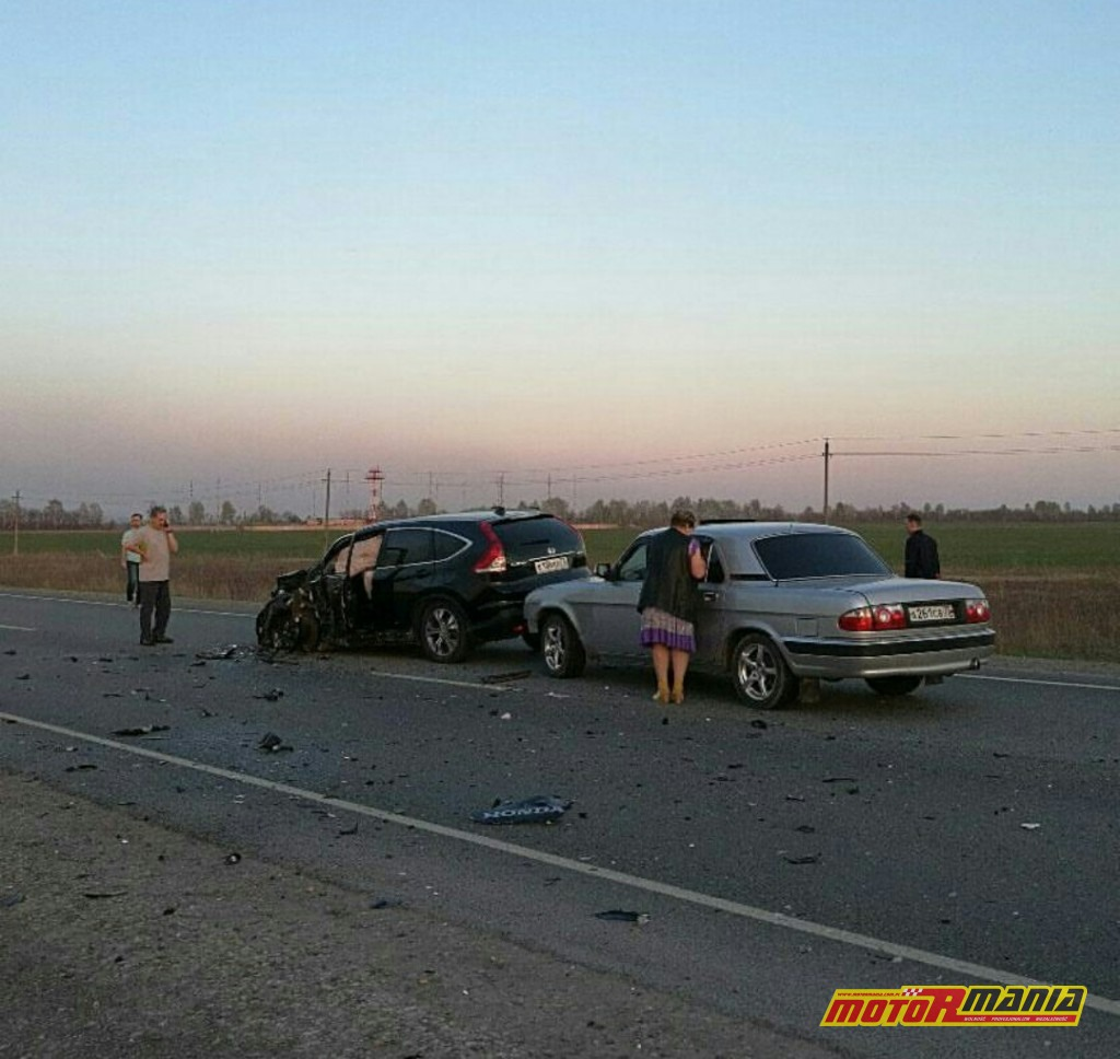 Wypadek Rosja 2 motocyklistow zderzenie czołowe (6)