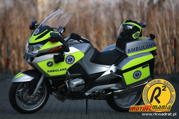 nowy motocykl przekazany ratownikom przez Motorola Solutions z Krakowa