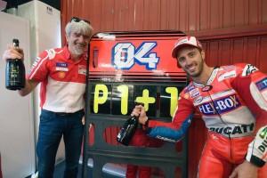 Gigi i Dovi świętują zwycięstwo w Barcelonie - foto Ducati
