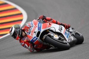 Lorenzo w akcji na Sachsenringu