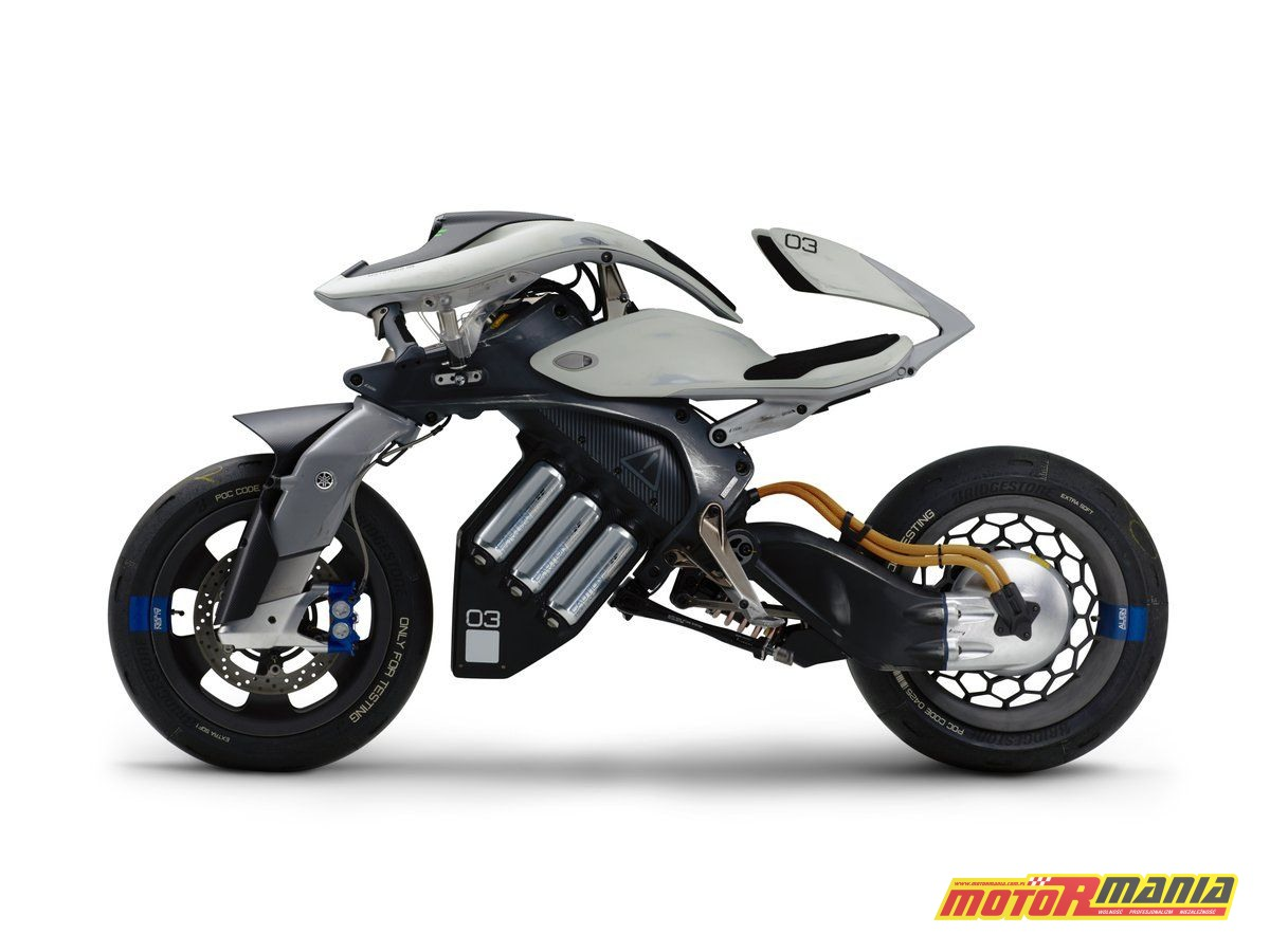 Yamaha MOTOROiD concept 2017 (1)