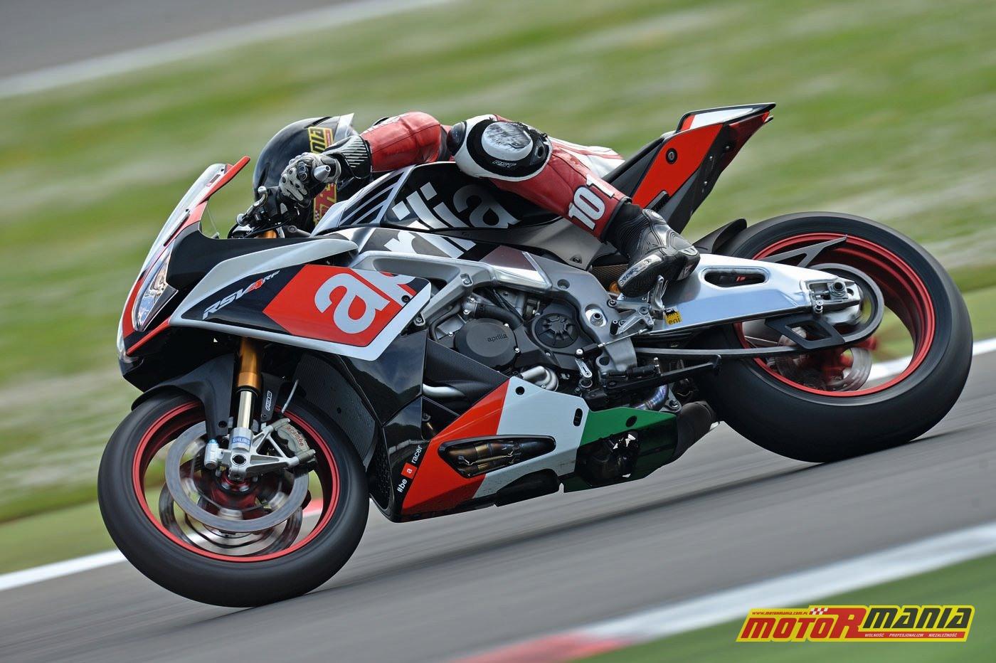 Aprilia RSV4 RF 2015 test motormania (6)