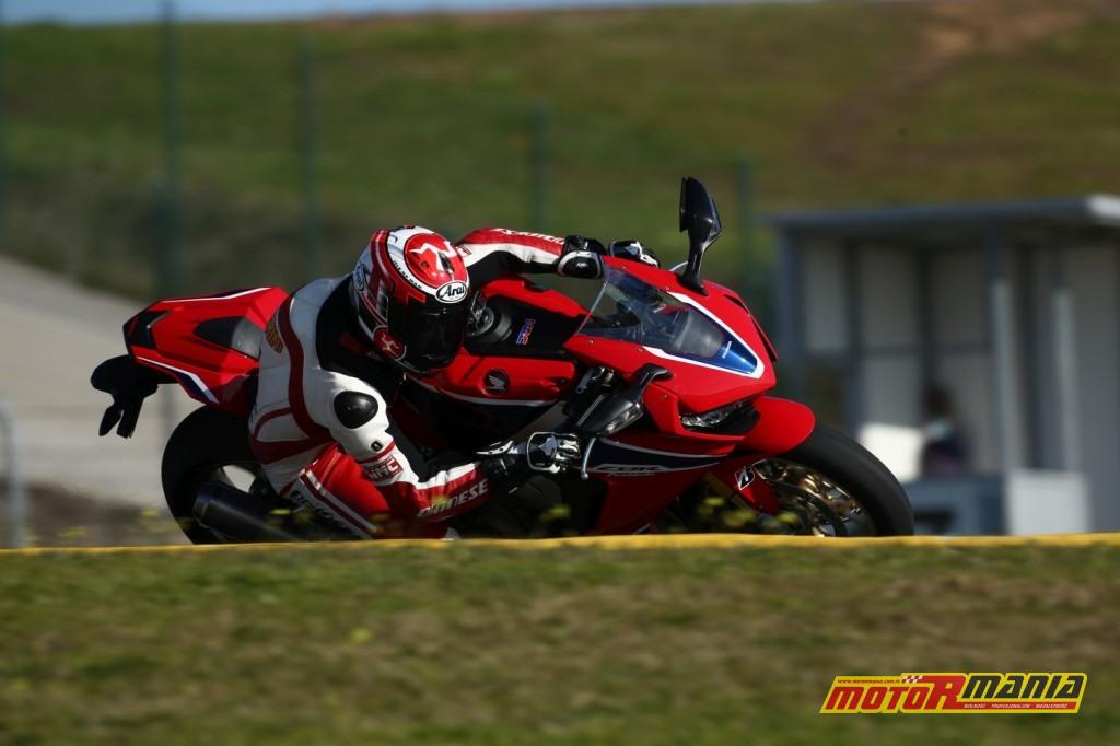 Honda CBR1000RR Fireblade 2017 test motormania (10)