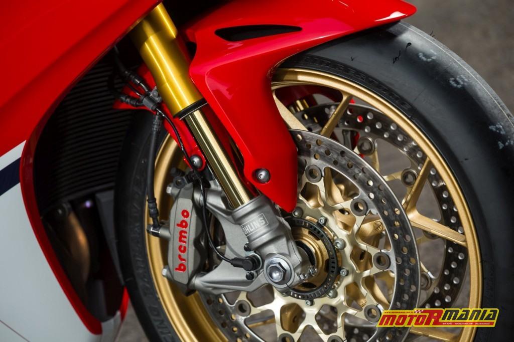 Honda CBR1000RR Fireblade 2017 test motormania (11)