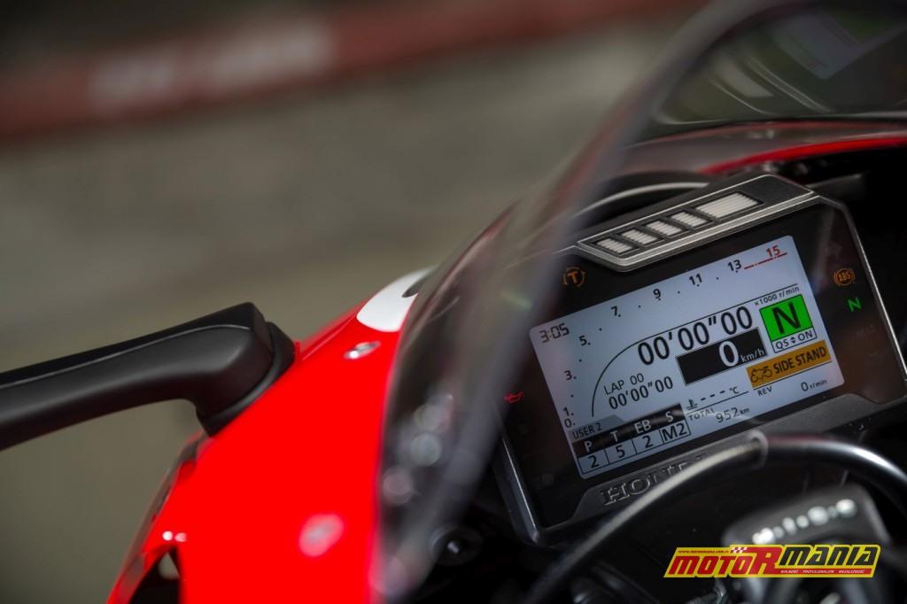 Honda CBR1000RR Fireblade 2017 test motormania (12)