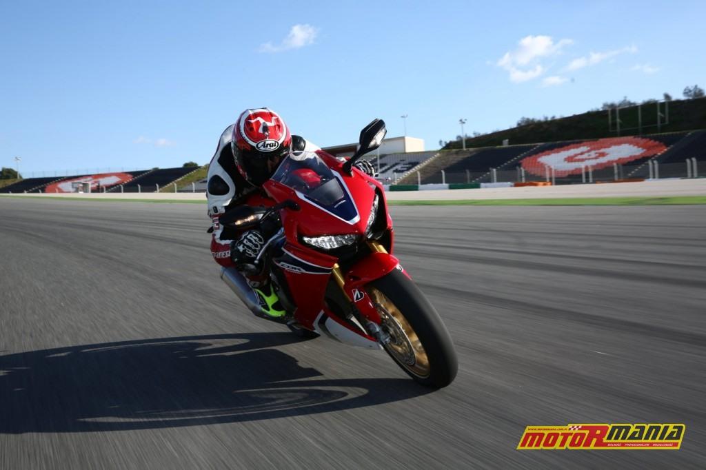 Honda CBR1000RR Fireblade 2017 test motormania (6)