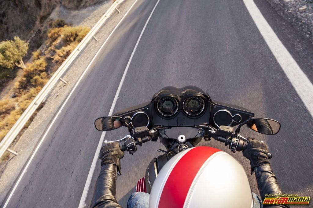 Moto Guzzi MGX21 + California 1400 - Spaghetti Western (12)