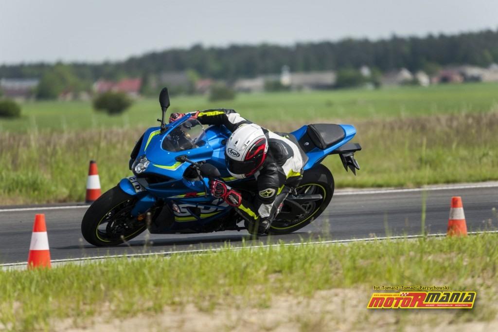 Suzuki GSX-R1000 2017 motormania test (17)