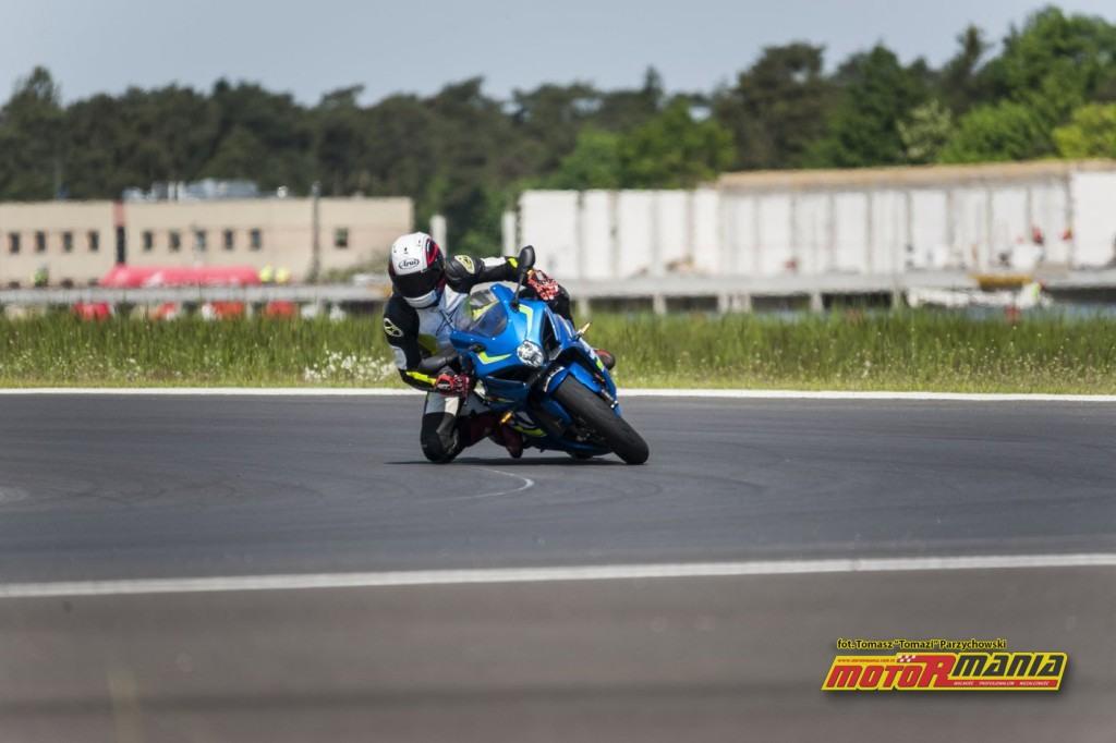 Suzuki GSX-R1000 2017 motormania test (7)