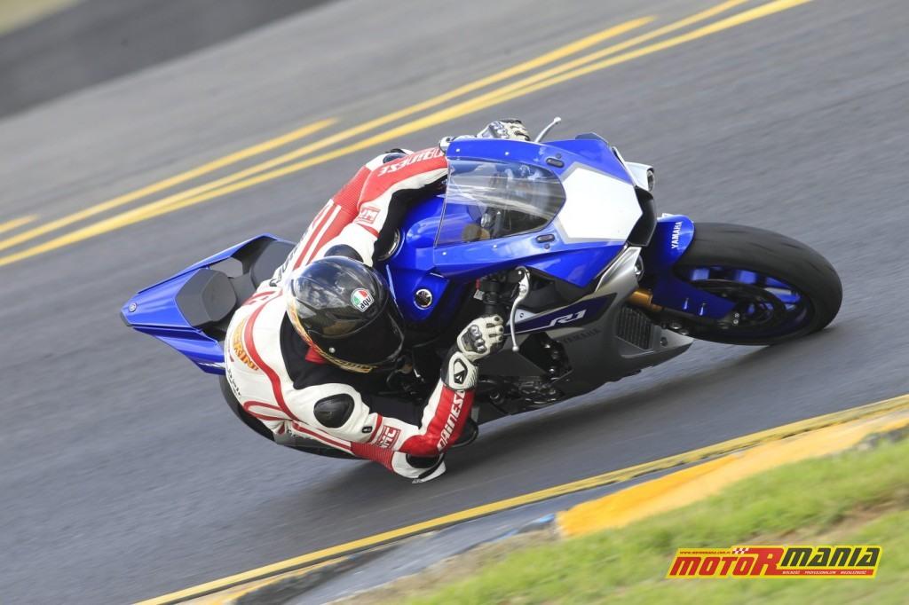 Yamaha YZF-R1 test Motormania (2)