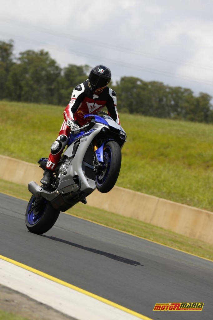 Yamaha YZF-R1 test Motormania (6)