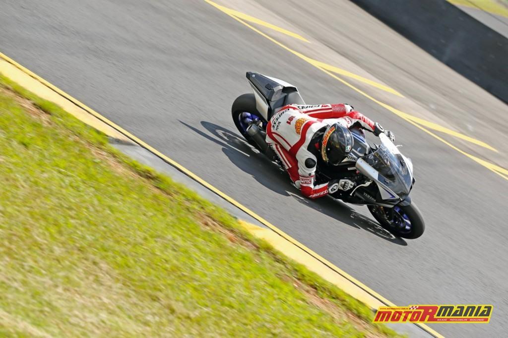 Yamaha YZF-R1 test Motormania (7)