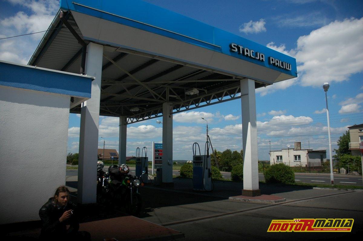 87-Stacja-Paliw-gdzies-tam-fot-Pacyfka