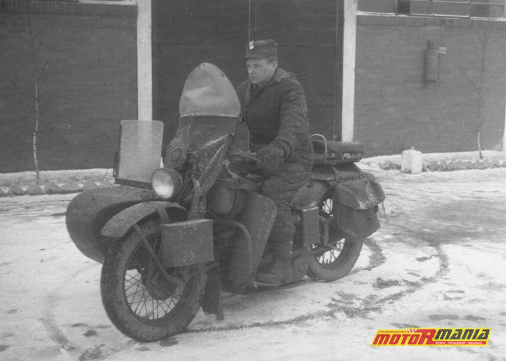 Polski Milicjant na Harley-Davidson WLA 42