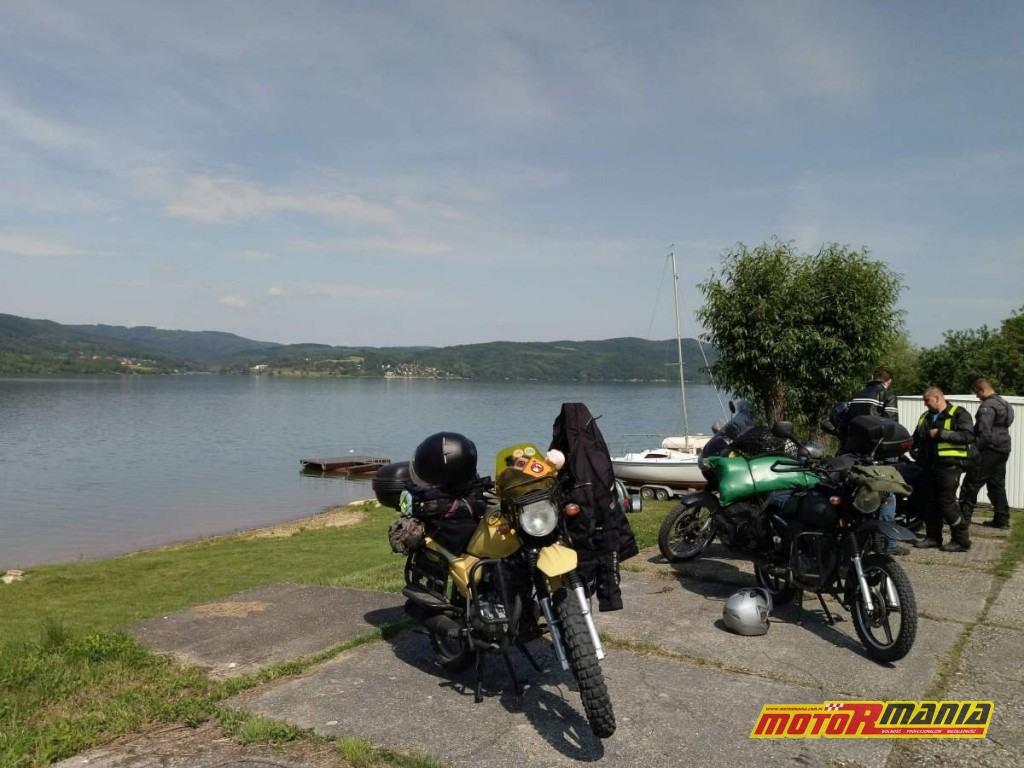 postój nad jeziorem Domasa