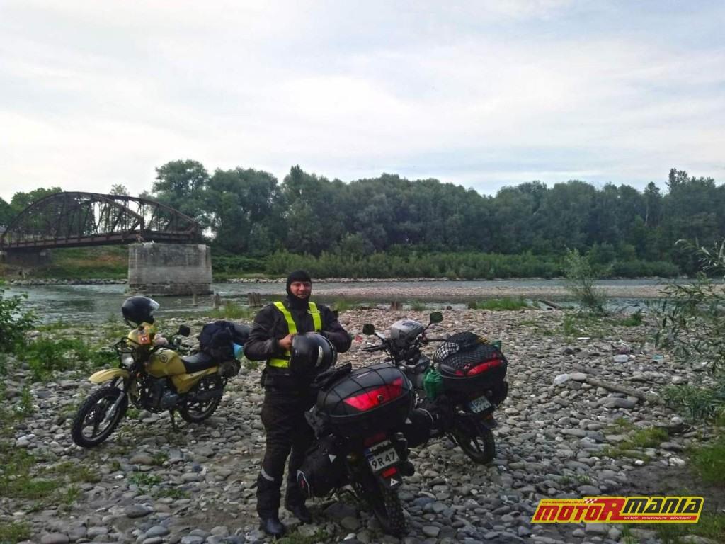 nieczynny most na granicy rumuńsko-ukraińskiej