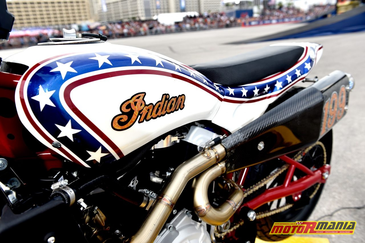 Travis Pastrana skoki evel knievel indian ftr750 (1)