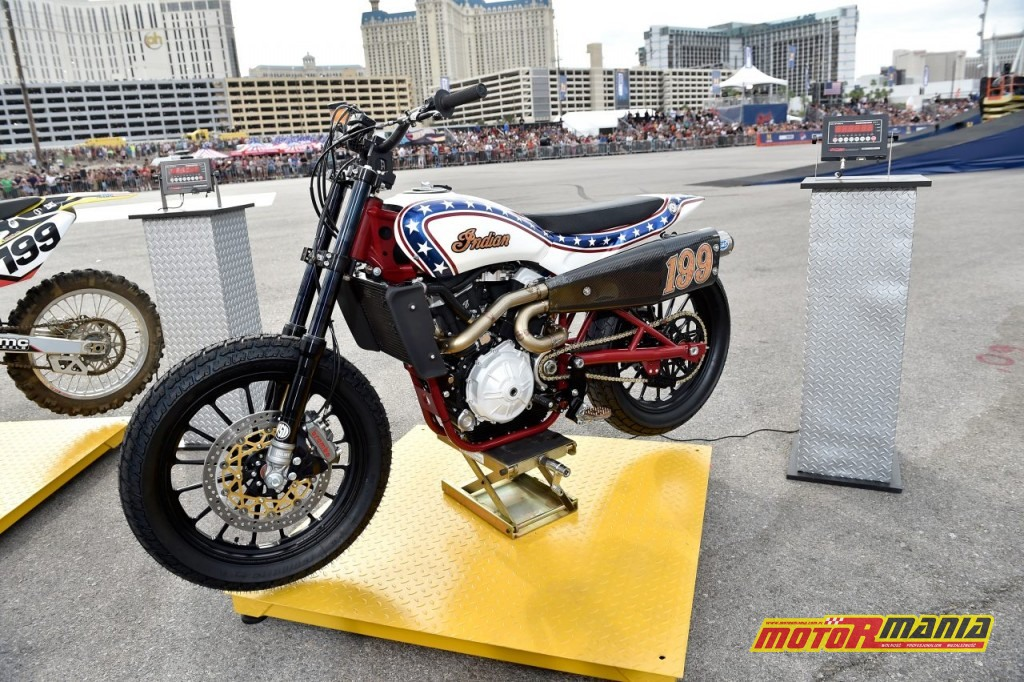Travis Pastrana skoki evel knievel indian ftr750 (2)