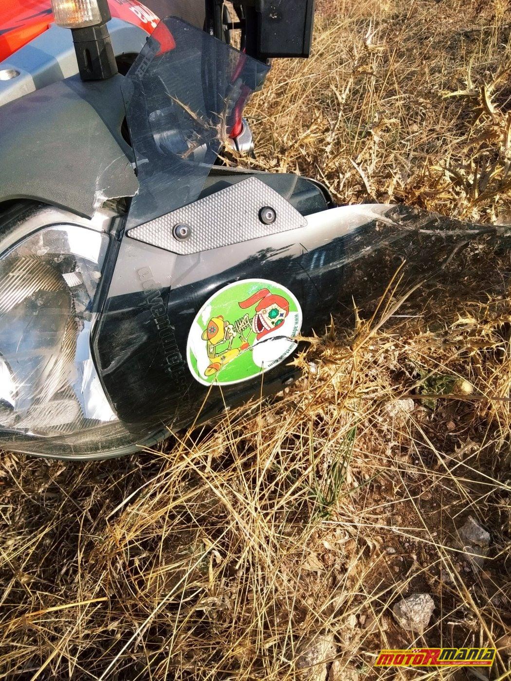 Adventure Tess szlif gleba na motocyklu bez kurtki (5)