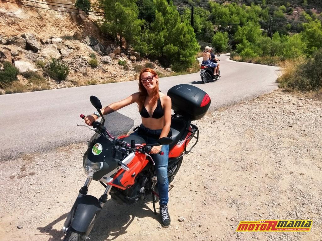 Adventure Tess szlif gleba na motocyklu bez kurtki (6)