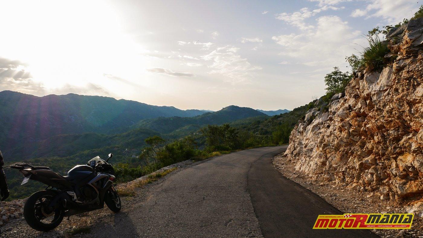 groga w górach Czarnogór, droga P23