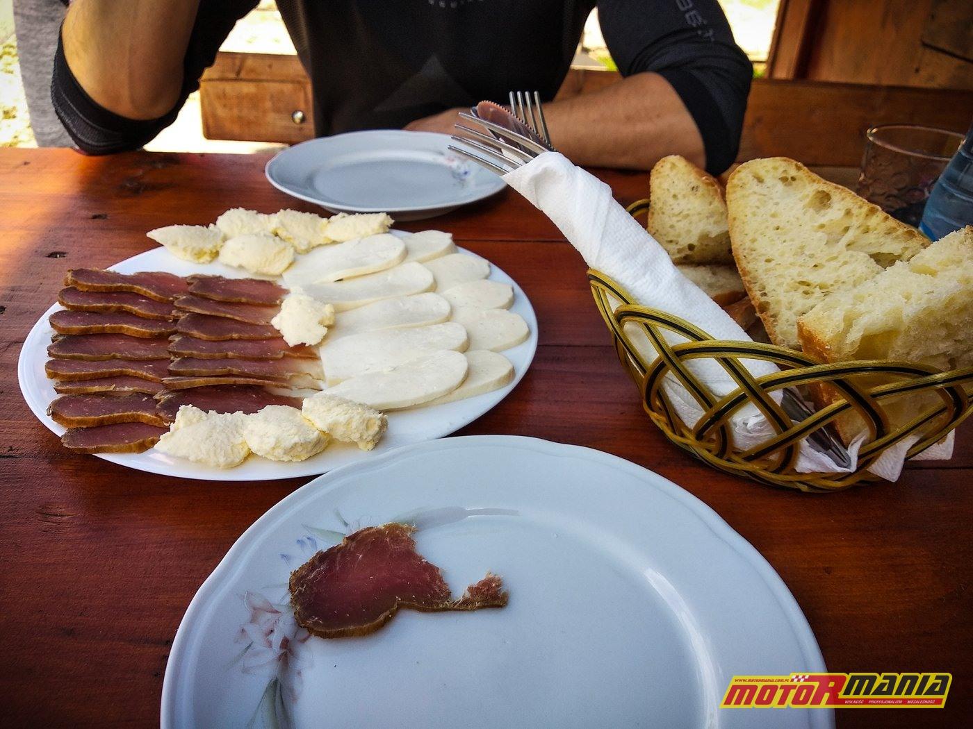 posiłek w Nedajno - jedzenie pasterzy
