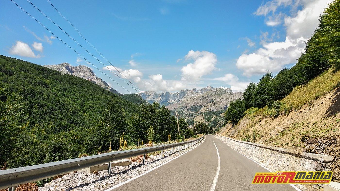 w Albanii, wjeżdzamy w Góry Przeklete