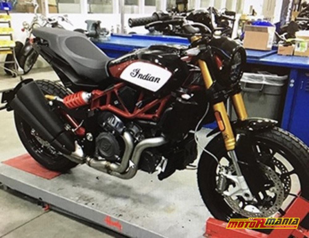 Zdjęcie szpiegowskie gotowego motocykla.