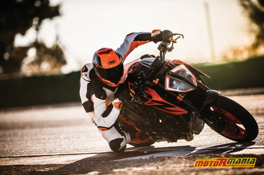 KTM 1290 SUPER DUKE R_Action 06