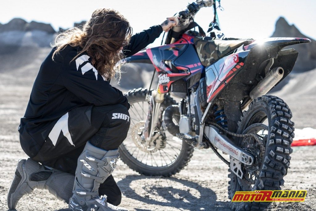 Bradley ONeal base jumpa utah motocykl (4)