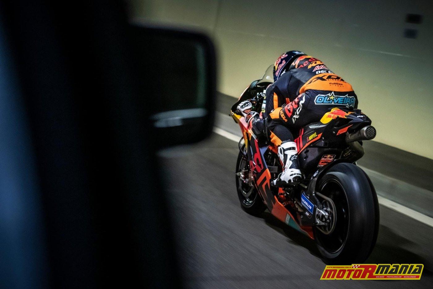 KTM RC16 i Miguel Oliveira w tunelu  (10)