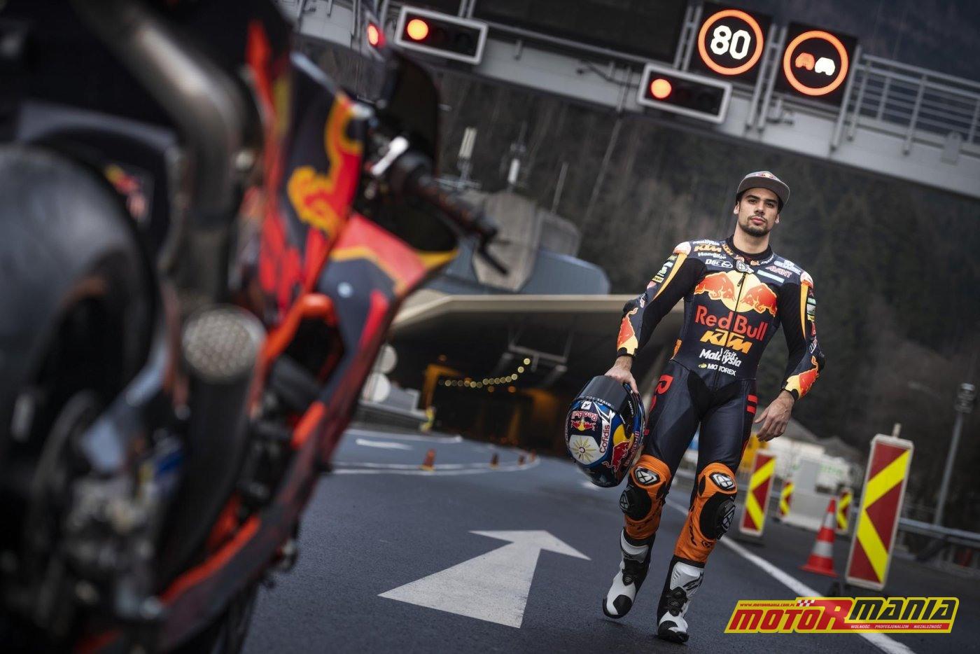 KTM RC16 i Miguel Oliveira w tunelu  (11)