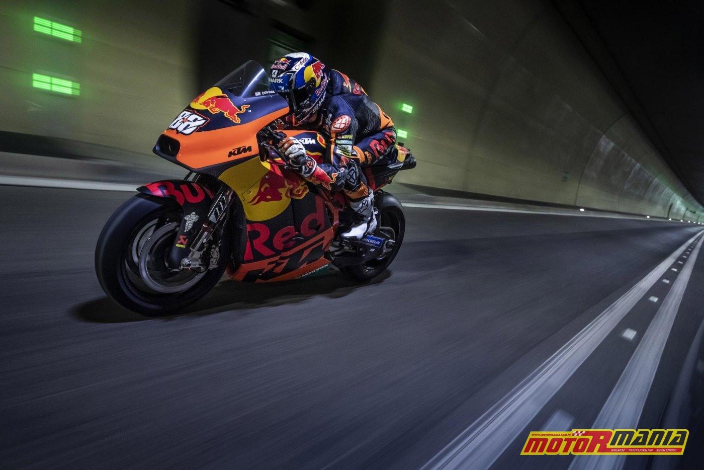 KTM RC16 i Miguel Oliveira w tunelu  (5)